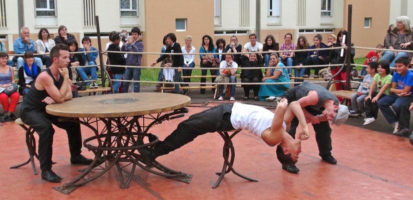 Maimorables 12 – Cie Tango Sumo, Premier Round à Bayonne sur le terrain de basket du quartier Habas-la-Plaine (7 mai 2012)